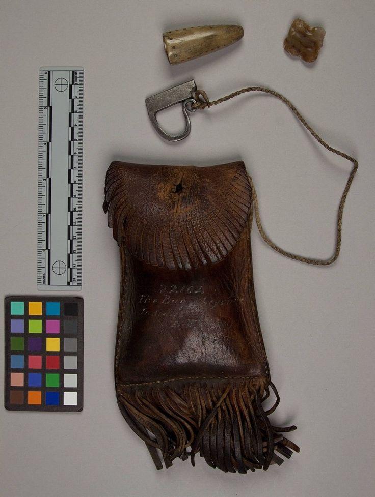 Кожаная сумочка для огнива и трута, Шайены. Хот Спрингс, Арканзас. Dr. W. H. Barry. 1876 год. NMNH.