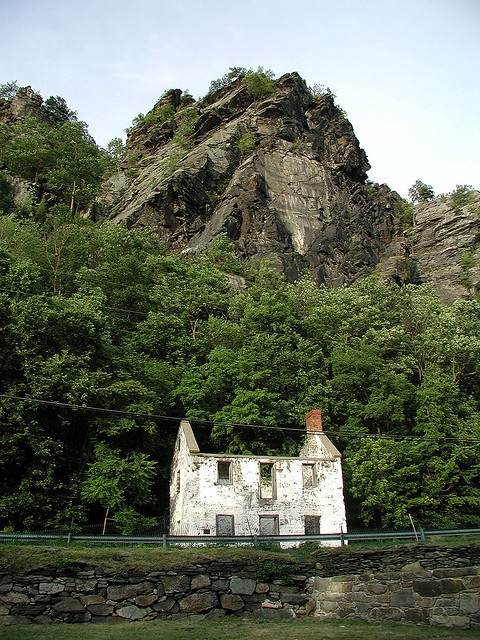 Dilapidated house near Harper's Ferry WV by kcdsTM, via Flickr