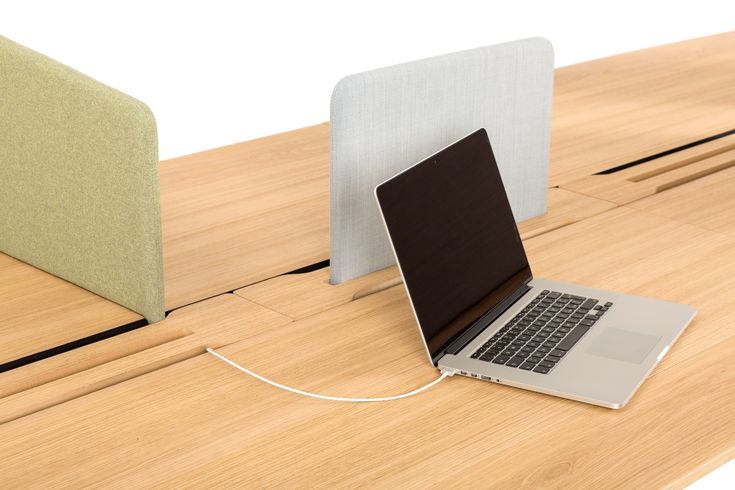 Compre online Wing | mesa By true design, mesa retangular de madeira design PARISOTTO+FORMENTON, Coleção wing
