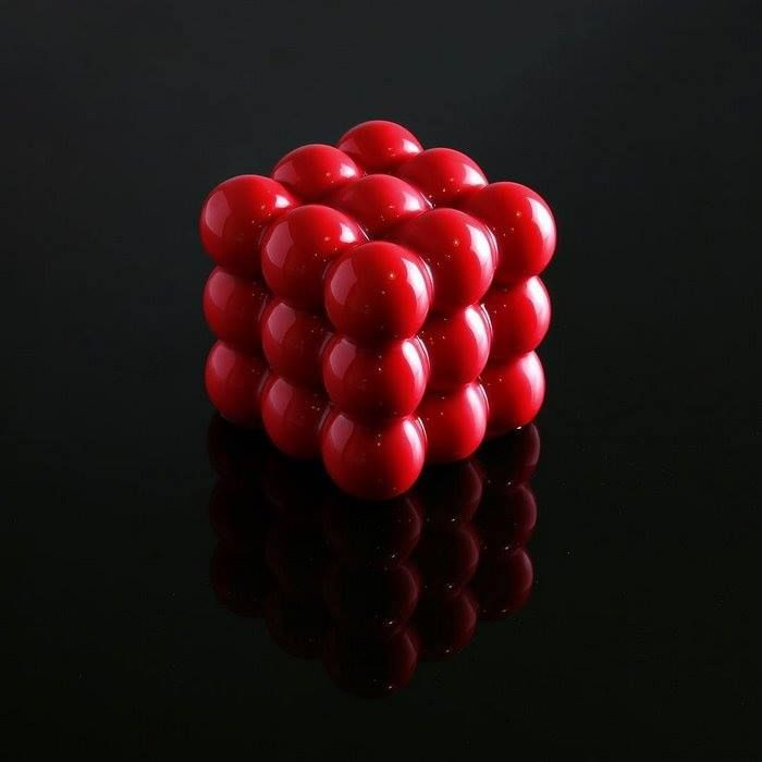 Geometry Raspberry cake: Raspberry mousse, cremeux, confit and sponge cake, covered with red glaze | Dinara Kasko
