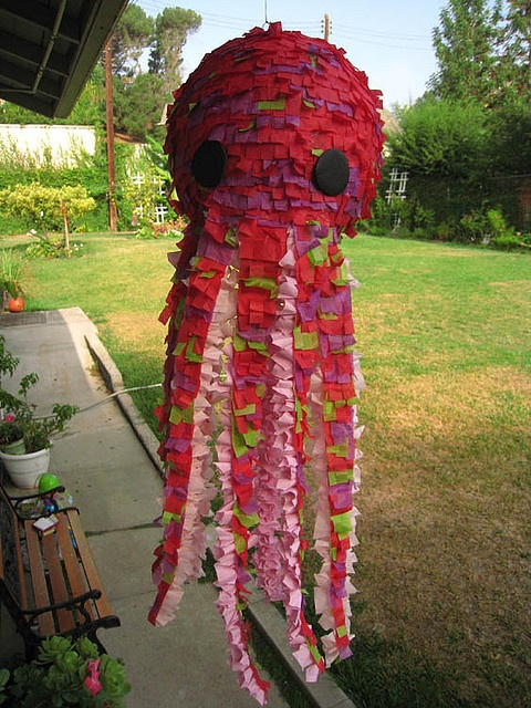 how to make an owl shaped pinata