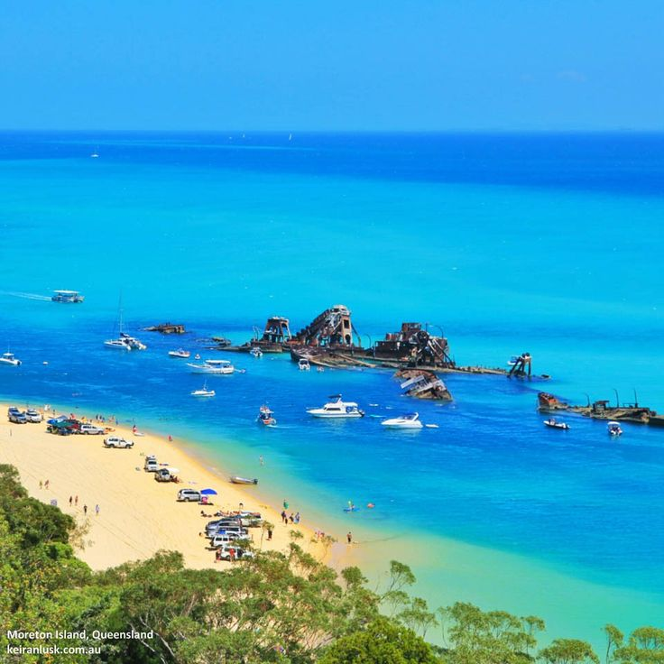 Sunday at The Wrecks. A popular destination on the weekends. #moretonisland #weekends #thisisqueensland