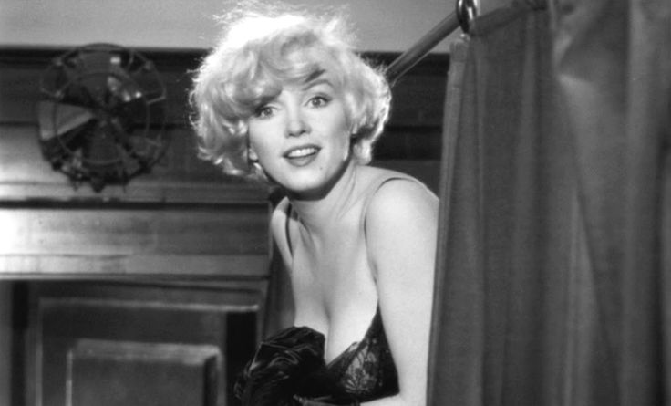 Sugar Kane in Some Like it Hot, played by Marilyn Monroe, is the object of both male protagonist's affections. #lover #archetype #brandpersonality