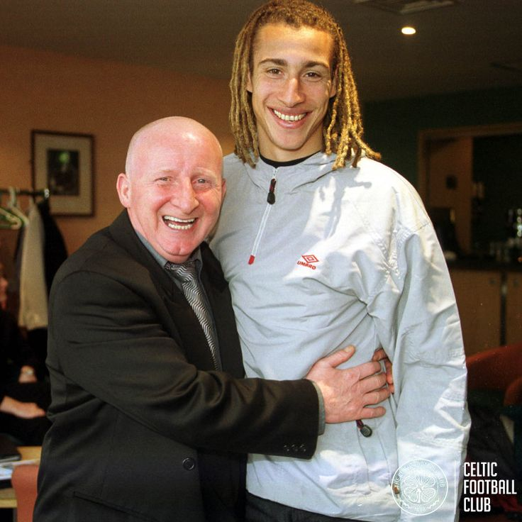 Jimmy Johnstone with Henrik Larsson, two of Celtic's greatest No.7