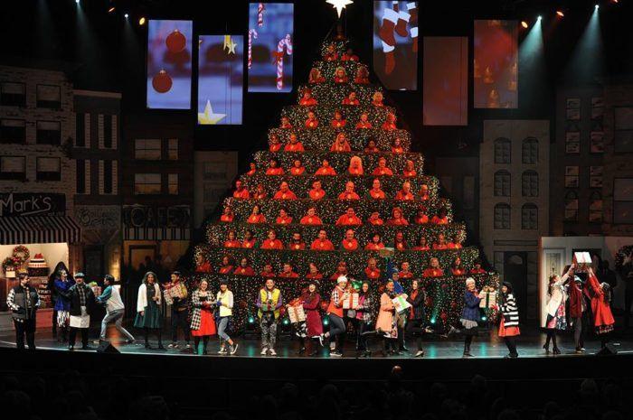 The Singing Christmas Tree 2020 Sacramento Northern California's Singing Christmas Tree Is Truly A Sight To