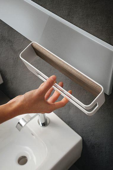 Magnetic towel rail by Ronda Design. Simple and functional. #magnetic #magnetika #bathroom #bagno #RondaDesign #towelrail