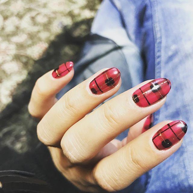 #nails, #nailpolish, #gelnails, #arylicnails, #fancynails, #glitternails on Pinterest: @tinkette82