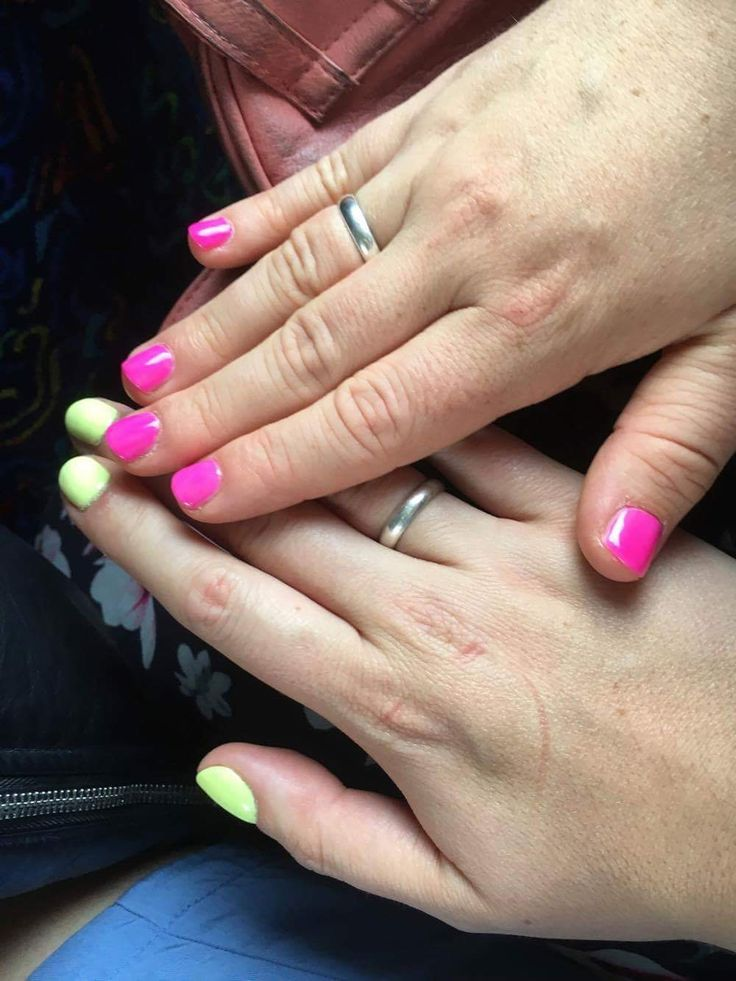 Semilac Strong Lime 182 & Semilac Neon Pink 008