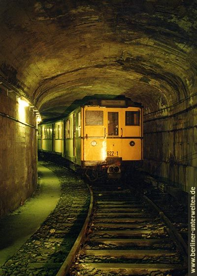 Guided tours through #Berlin's underground. #metro #ubahn