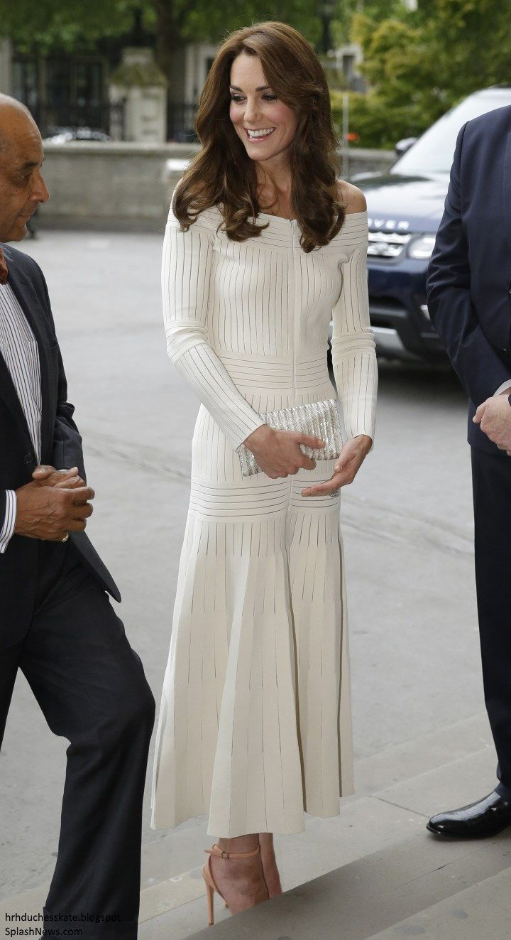 Duchess Kate: Kate in Off-the-Shoulder Barbara Casasola Dress for Art Fund Awards