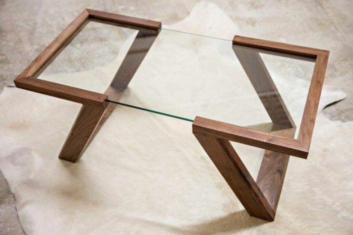 table basse en bois foncé, table basse bois et verre