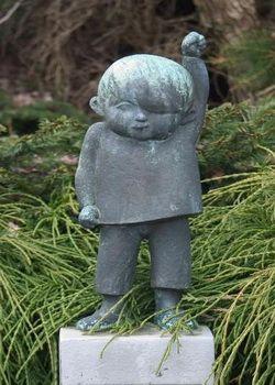 het beeldje van Jantje Beton is gemaakt door Prinses Beatrix