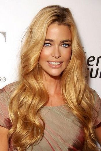 The always beautiful Denise Richards with her signature golden locks! Big curls and a little bronzer can recreate her stunning look!