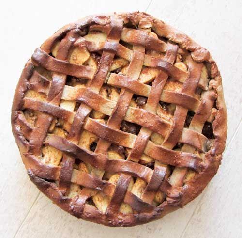 Na enige tijd experimenteren is het gelukt! Een echte Hollandse appeltaart. Slechts een klein beetje gezoet met honing. Helemaal gluten en zuivelvrij! En niet onbelangrijk we vonden hem erg lekker! Ik wilde zo graag een Hollandse appeltaart bakken waar we heel af en toe van kunnen snoepen. Het snoepen moet nog steeds een uitzondering blijven. …