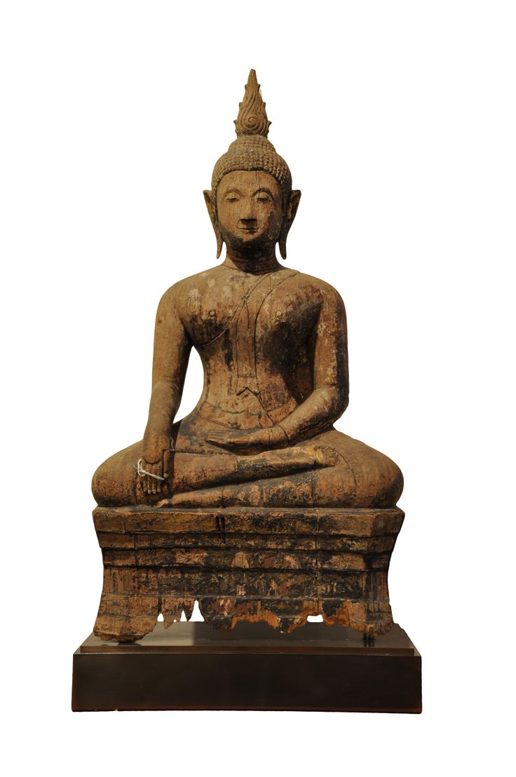 Wooden sitting Buddha. Thailand (Chieng Saen), 15th century, made of teak wood. For more information about this and other amazing Asian/Buddhist antique products, please visit our website: www.sat-nam-art.com
