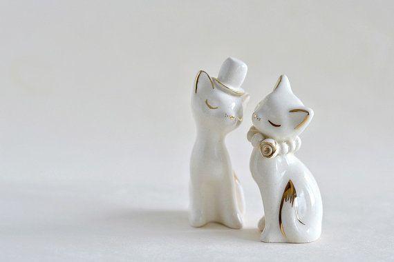 Cat cake topper, wedding cake topper, gold ivory - white wedding, ceramic cat cake topper wedding, bride and groom cats - wedding keepsake