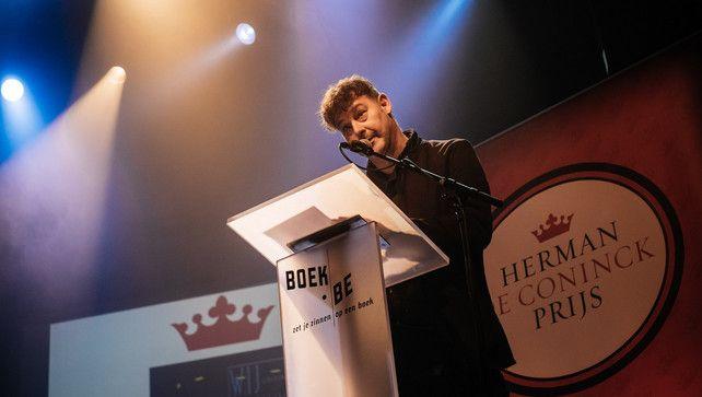 Elk jaar wordt er de Herman de Coninckprijs uitgereikt, een bekroning voor de beste dichtbundel van het jaar in Vlaanderen. Er worden verschillende auteurs genomineerd door een jury. Uiteindelijk wint er één auteur. Personen die mooie boeken schrijven, worden beloond.