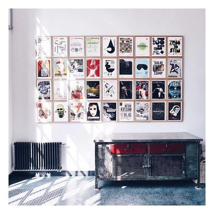 Ścianka w Teatrze   ______ #interiors #interiordesign #poster #loft #wall #wallart #tv_living #tv_architectural #lights #light #shadow  #wystrojwnetrz #warsaw #warszawa #warszawamokotów #modern #modernhouse