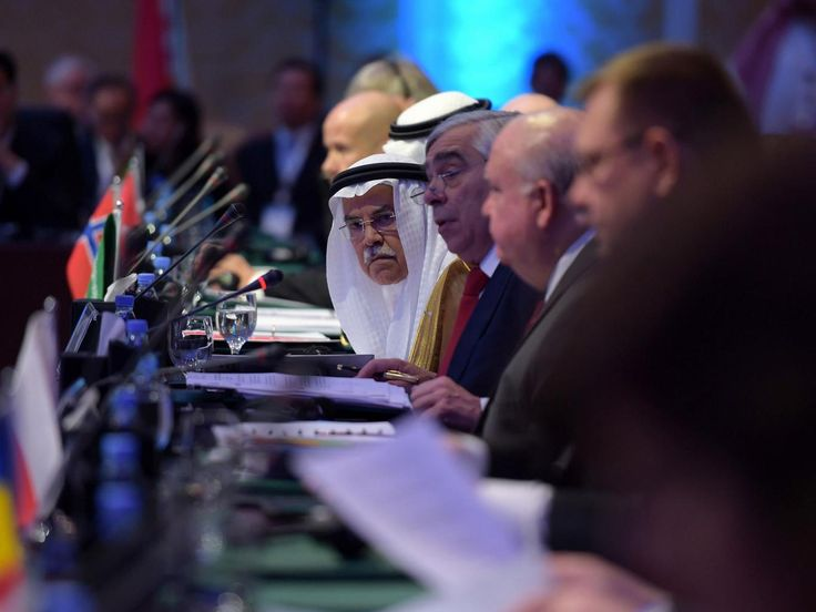 Saudi Arabia and Russia agree to oil production freeze in Qatar meeting | Middle East | News | The Independent