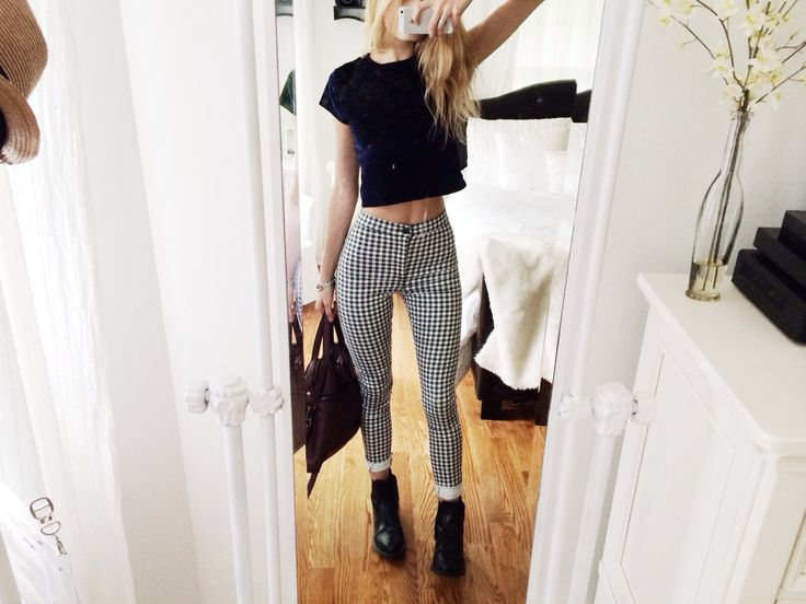 I always admire girls who can pull of trousers like this, I never think I can, but I definitely want some! - brittanylanex