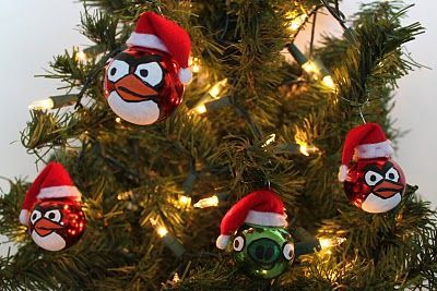 Angry Birds ornaments. The Boys are so excited. This clearly shows how to paint the faces & they are excited to find plain ornaments 2nd hand or dollar store & make them, using scraps of felt we already have.