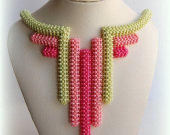 GRATIS VERZENDING! Koraal/groen verklaring Bangle Bib ketting, Beaded High Fashion sieraden, vrouwen kralen accessoire, cadeau voor haar, OOAK