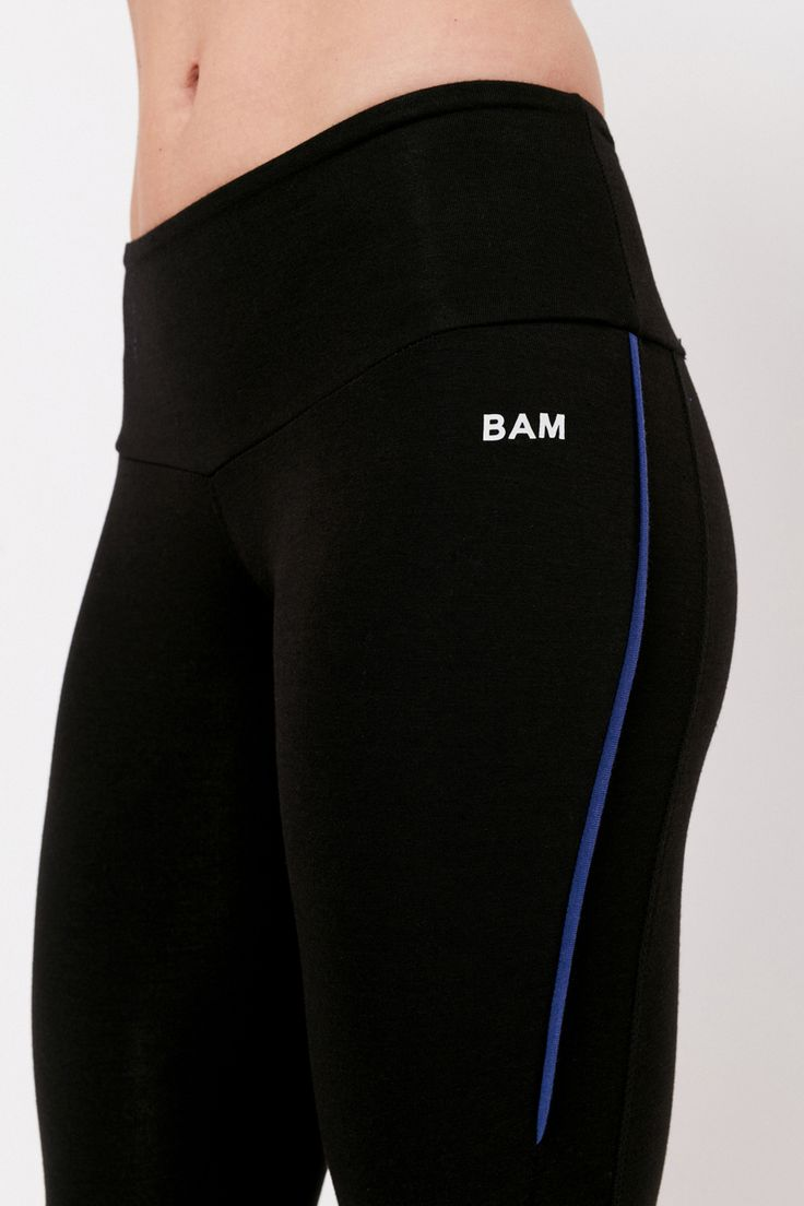 Women's Bamboo Enduro Gym Capri Leggings Black / Bilberry