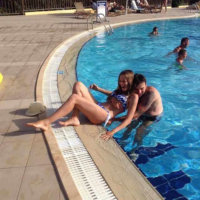 Happy moments by the pool!Thank you for sharing @_snakefo_ !