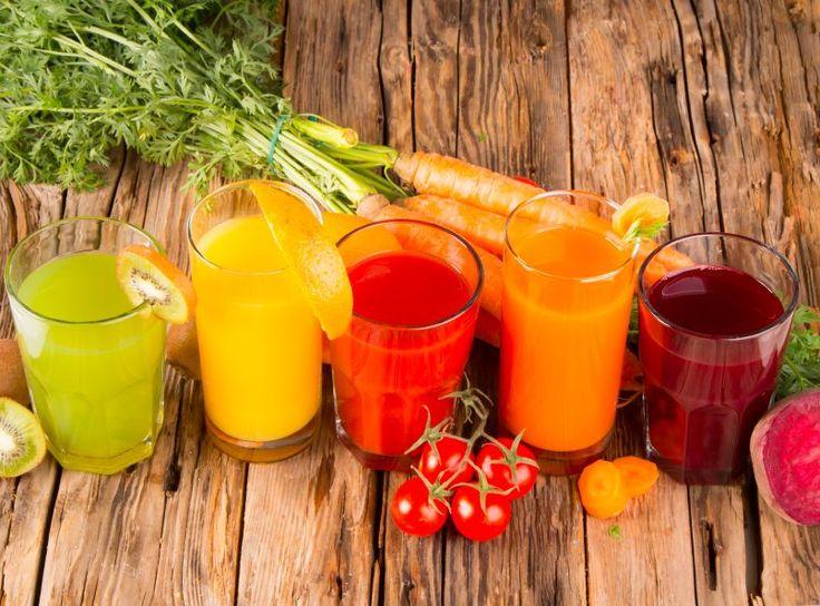 Beim Saftfasten sind der Fantasie kaum Grenzen gesetzt: Kombinieren lassen sich beinahe alle Obst- und Gemüsesäfte.