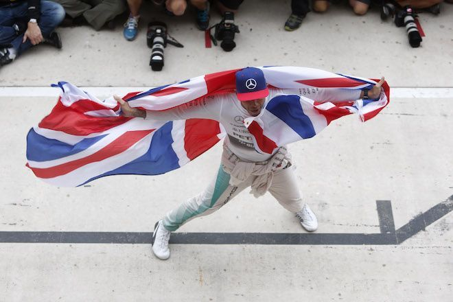 """Soulmate24.com F1: Lewis Hamilton interview """"This is who I am, so take it or leave it"""". RACER.com Mens Style"""