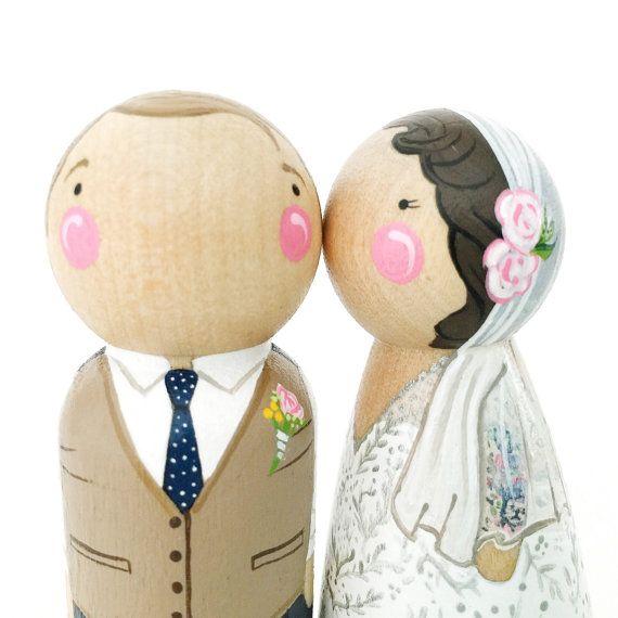 """Aangepaste peg pop bruidstaart topper set / / 3 1/2"""" peg pop gepersonaliseerde taart topper paar / / bruid / / bruidegom / / aangepaste bruiloft taart toppers"""