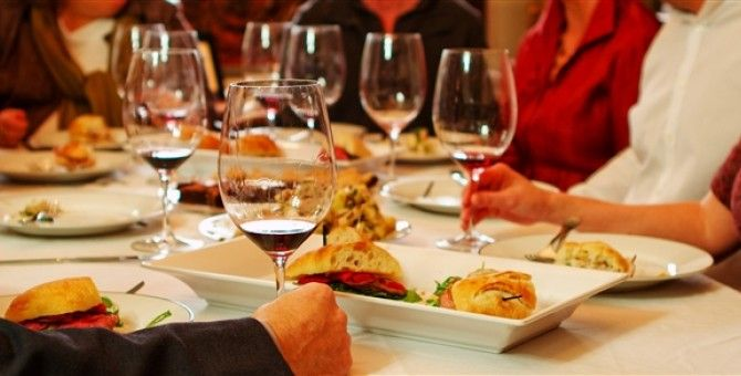 3 Reasons to Motivate you Dine Early