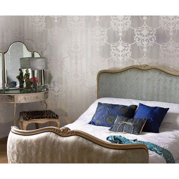 Sypialnia w klimacie paryskiego buduaru i na ścianie tapeta z wzorem #damask #damaskwallpaper