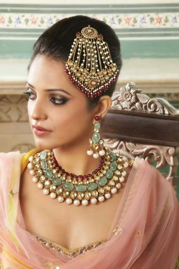 Gorgeous kundan and jade wedding jewelry bride jewelry for Aaina beauty salon