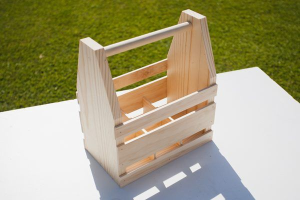 How to craft your own wood beer caddy beer caddy woods for How to craft your own beer