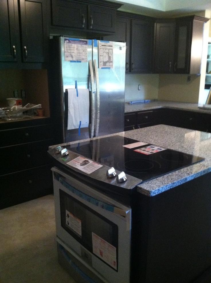 Espresso Maple Cabinetry With Luna Pearl Granite