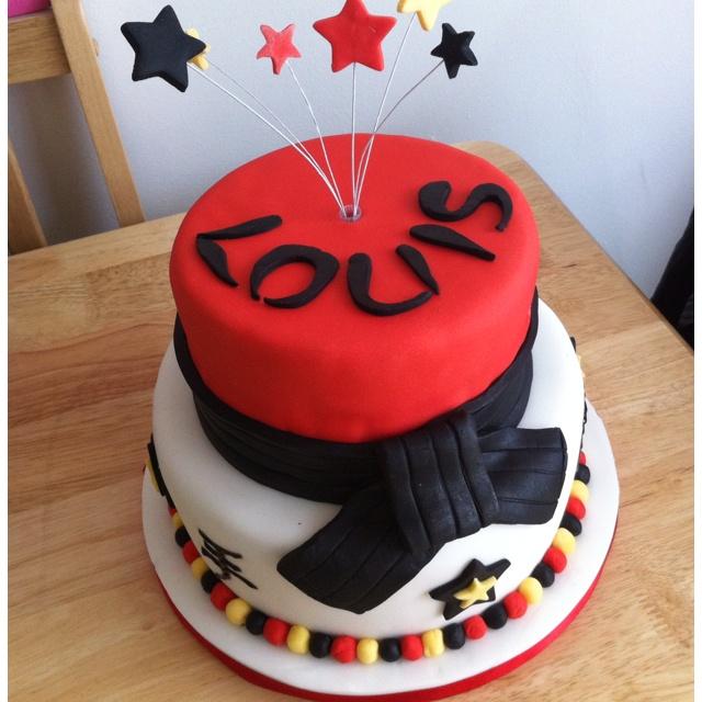 Martial Art Cake Ideas : 85 best Karate Birthday Party images on Pinterest Karate ...