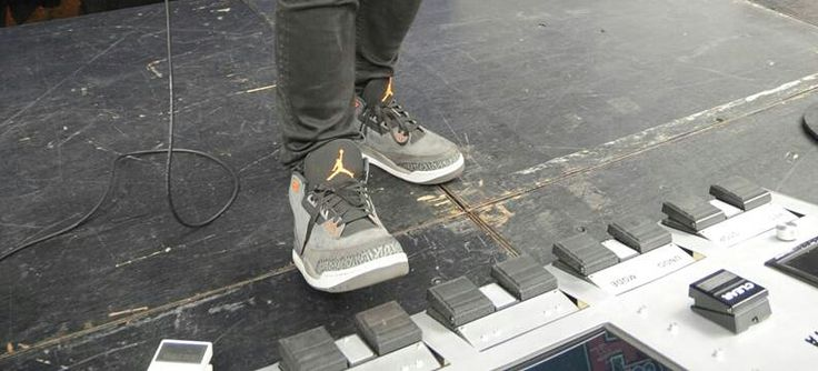 Ed Sheeran, he went from 1 loop pedal to a loop pedal on steroids!!!
