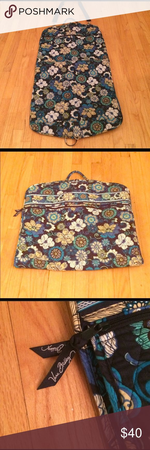 Vera Bradley garment bag Vera Bradley garment bag, gently used but in fantastic condition! Straps and hanger included! Vera Bradley Bags Travel Bags