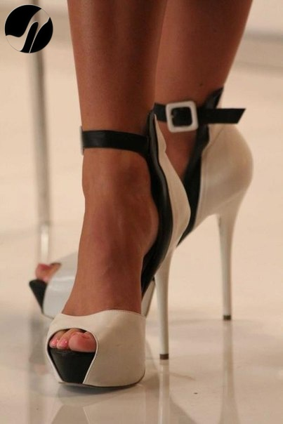 #Sandali Tacchi alti pelle