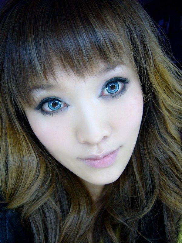 """""""Again, the Vassen Barbie blue contact lenses, seen on a brown eyed girl. These are circle lenses from candylens. They look perfect for comic book and anime characters, and have a really nice light blue colour."""" Hm. I like the green ones!"""
