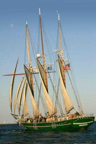 Schooner Denis Sullivan. Photo courtesy Discovery World. #sailing #tallships http://joefollansbee.com/photos/tall-ships/