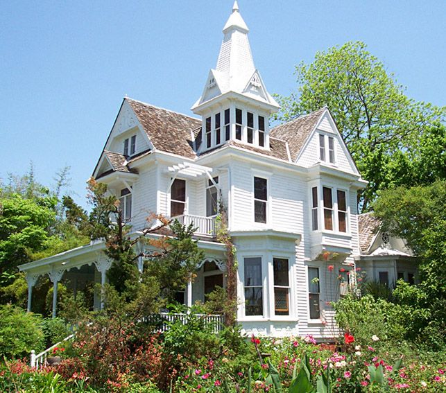 110 best images about victorian homes on pinterest queen for Beautiful homes in houston