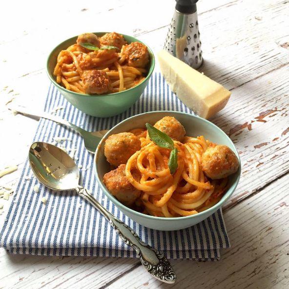 Chicken Balls with Spaghetti & Tomato Sauce