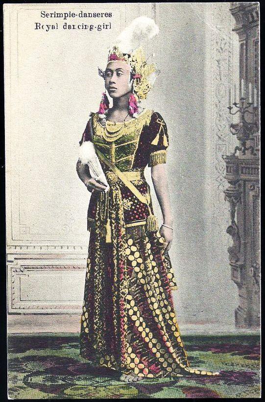 1910 Java Indonesia Serimpi Dancer