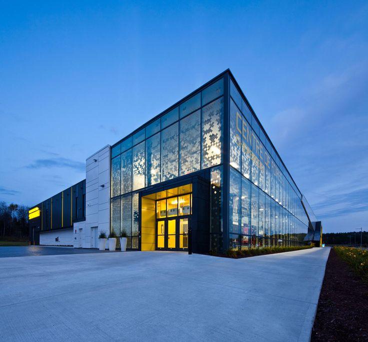 Centre de Foires de Sherbrooke par CCM2 architectes, Sherbrooke, Québec. Photo : Stéphane Groleau. Source : CCM2 architectes.