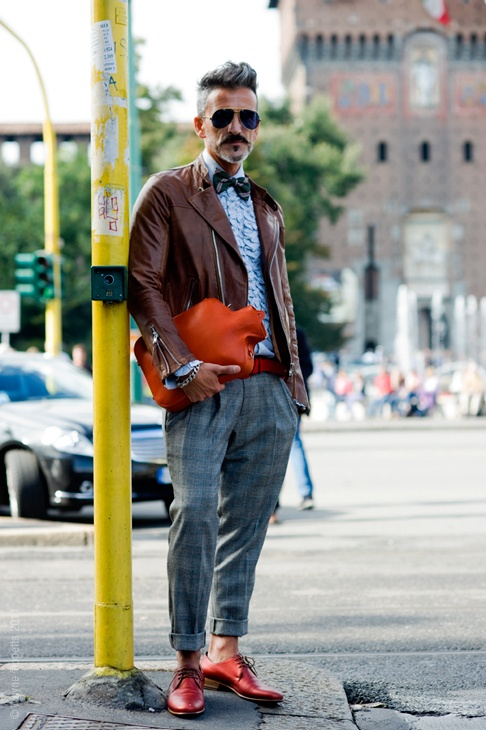 Delightful mixture: My Men, Red Shoes, Street Style, Men Style, Savory Recipes, Men Bags, Style Men, Leather Jackets, Hot Water Bottle