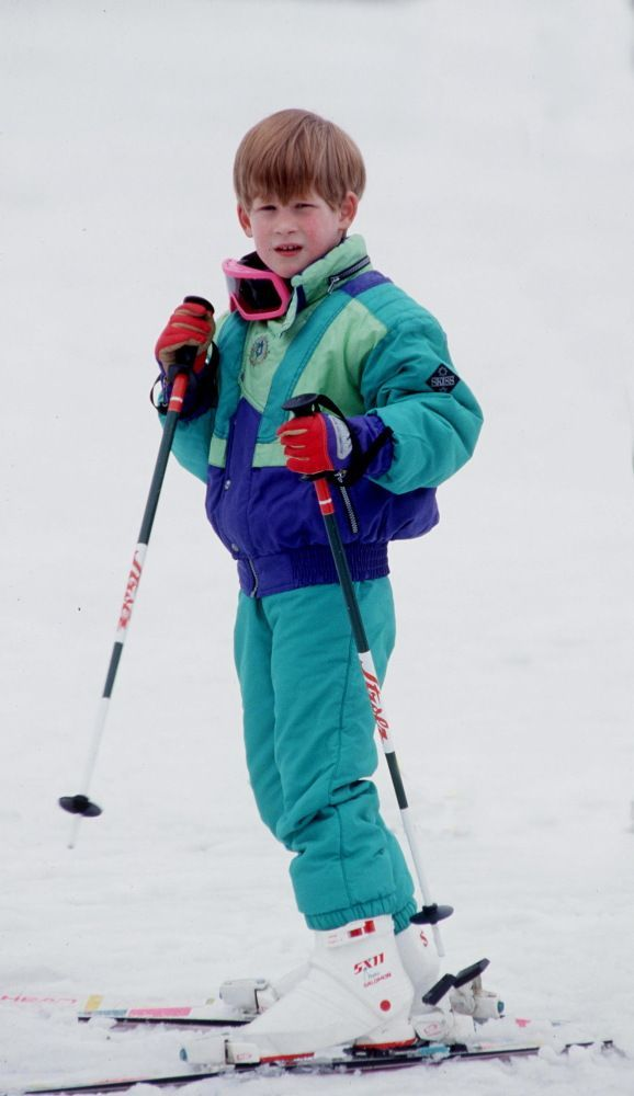 April 9, 1991: Prince Harry learning how to ski in Lech, Austria. This is the first time that the princes joined a ski holiday.(x)