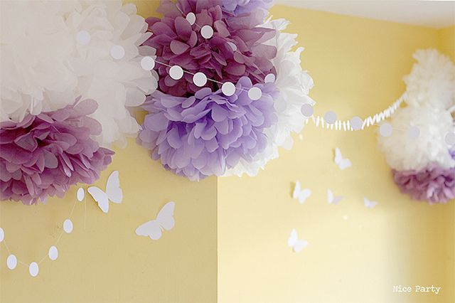 Cumpleaños de mariposas by Superkitina, via Flickr