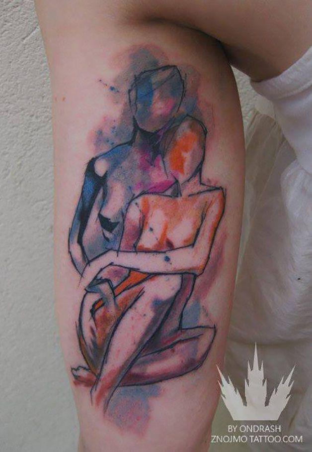 As tatuagens marcam a pele por toda a vidae por isso a escolha do desenho que seu corpo vai carregar é tão importante. O tatuador Ondřej Konupčík, ou Ondrash, da República Tcheca, coloca cores fortes emsuas obras, compostas por aquarelas e figuras um tanto quanto surreais. Formas abstratas, animais, caveiras e as mais diversas imagens pe...